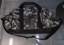 NEW WITH TAGS MENS CAMOUFLAGE QUIKSILVER XL DUFFEL BAG