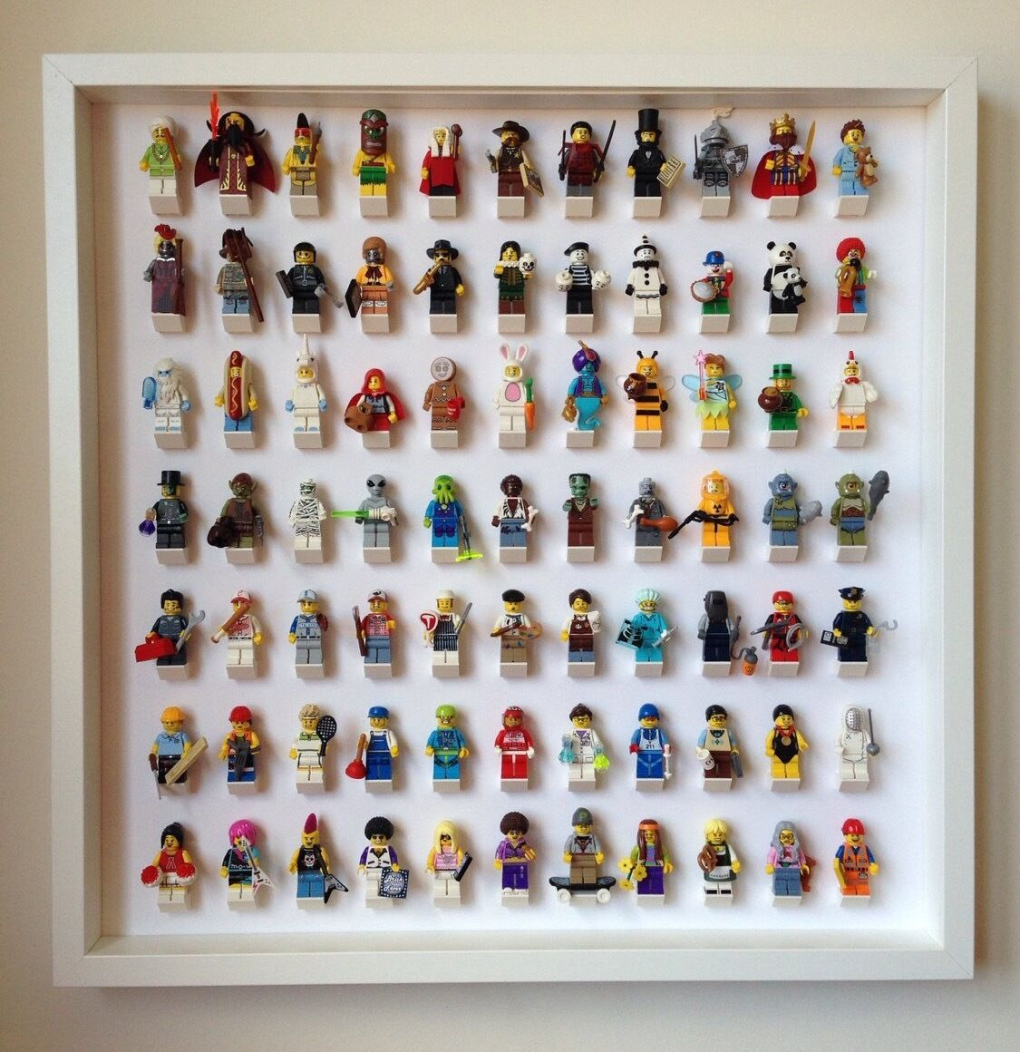 Lego Frame, Large Weiß Display Case for Lego Minifigures. Holds 77 Minifigs