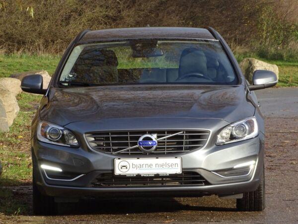 Volvo V60 2,0 D3 150 Momentum - billede 1