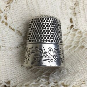 Antique-Thimble-Ketcham-amp-McDougall-Sterling-Silver-9-Floral-Scroll-Monogram