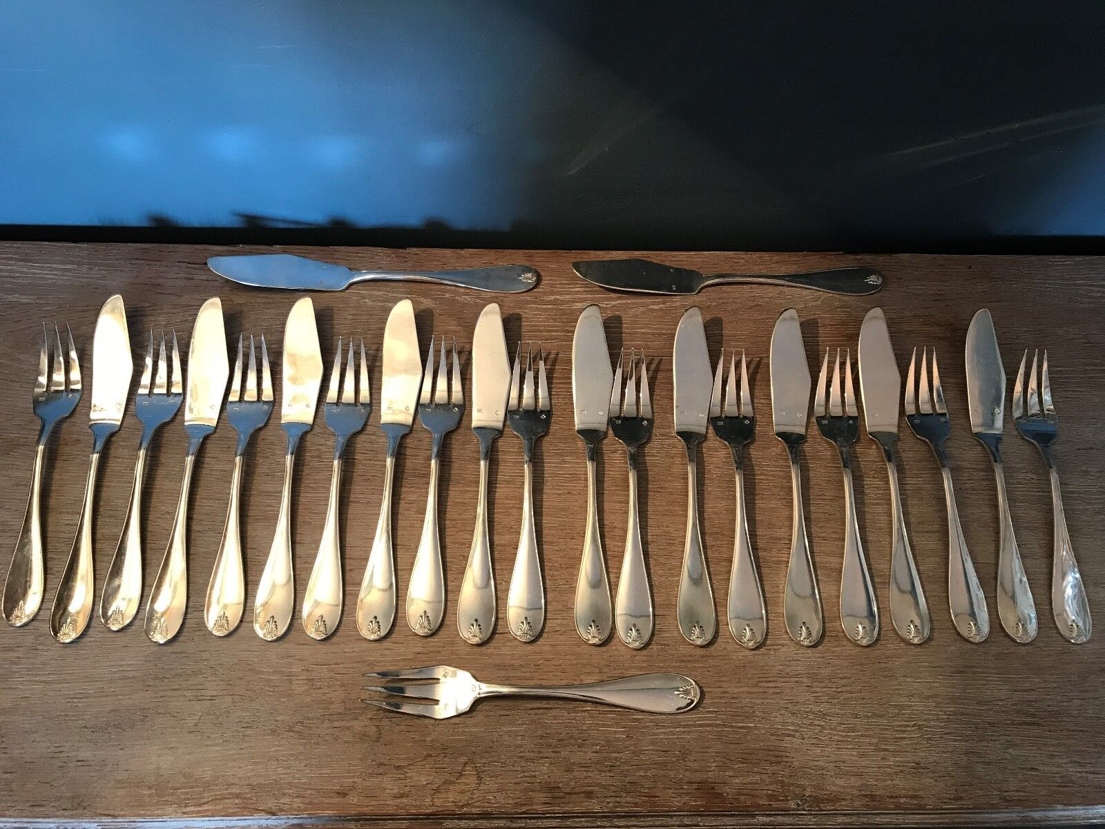 12 couGrüns à poisson,métal Silberé,Empire,XX°.