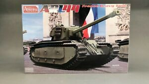 Amusing-Hobby-35A025-1-35-French-Army-Tank-ARL44-Plastic-Model