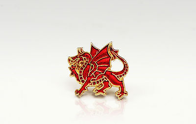 WALES WELSH DRAGON - RUGBY FOOTBALL AND SPORT SUPPORTERS PIN BADGE