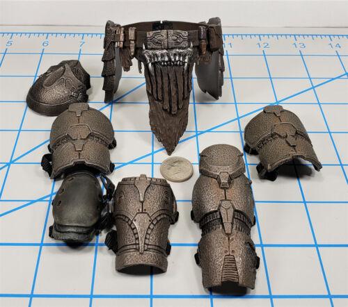 Hot Toys Noland Armor Lot 1//6 Scale Predator genou Pad Jambe Guards Ceinture