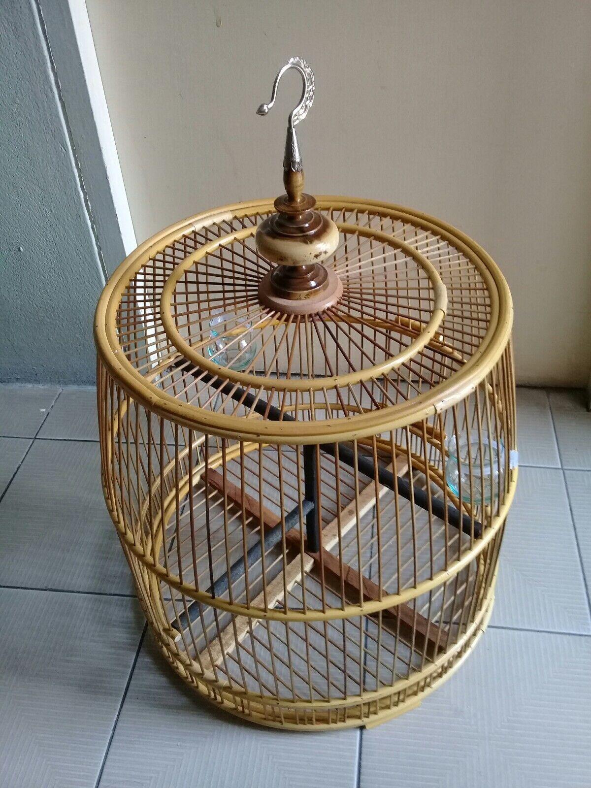 HAND Made in bambù Bird Cage stile unico LEGNO NATURALE Bird Cage FREE World post.