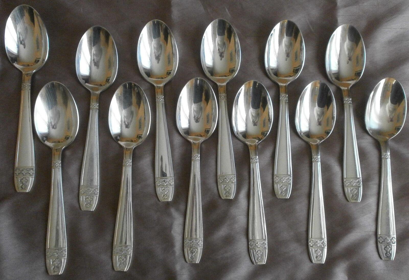 12 Cuillères à soupe en métal Silberé modèle   grand prix   style art déco
