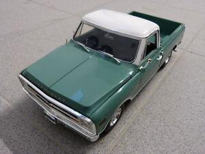 Chevrolet-C-10-1968-Pick-Up-Truck-vert-blanc-limite-ACME-modele-de-voiture-1-18
