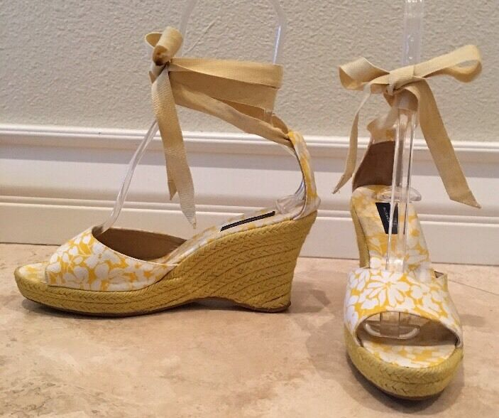 BURBERRY Gelb Weiß Canvas Raffia Ribbon Ankle Tie Espadrille Wedge 41EU 10.5M