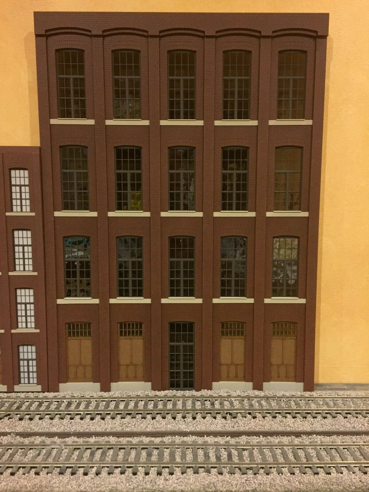 G Scale 1 32 Paterson Silk Mill Flat, 4-Story, 15  Long, 20-1 4  Tall, Unlit