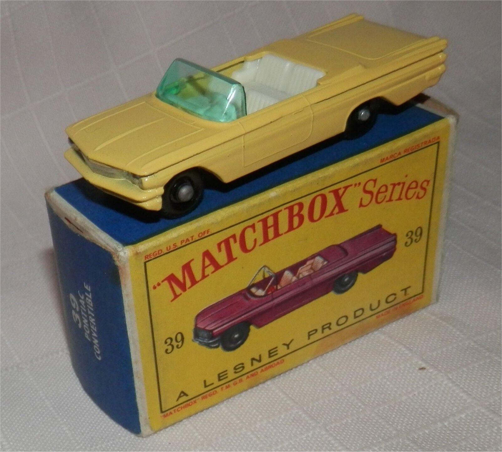 1960 s. LESNEY. MATCHBOX .39. PONTIAC CONVERTIBLE. en plastique noir roues. Comme neuf IN BOX