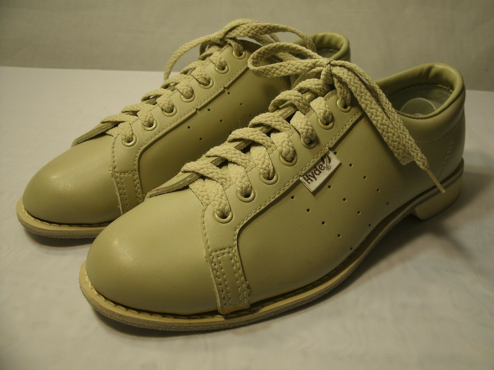 HYDE BEIGE LEATHER BOWLING SHOES   SIZE US 8.5   MEN'S