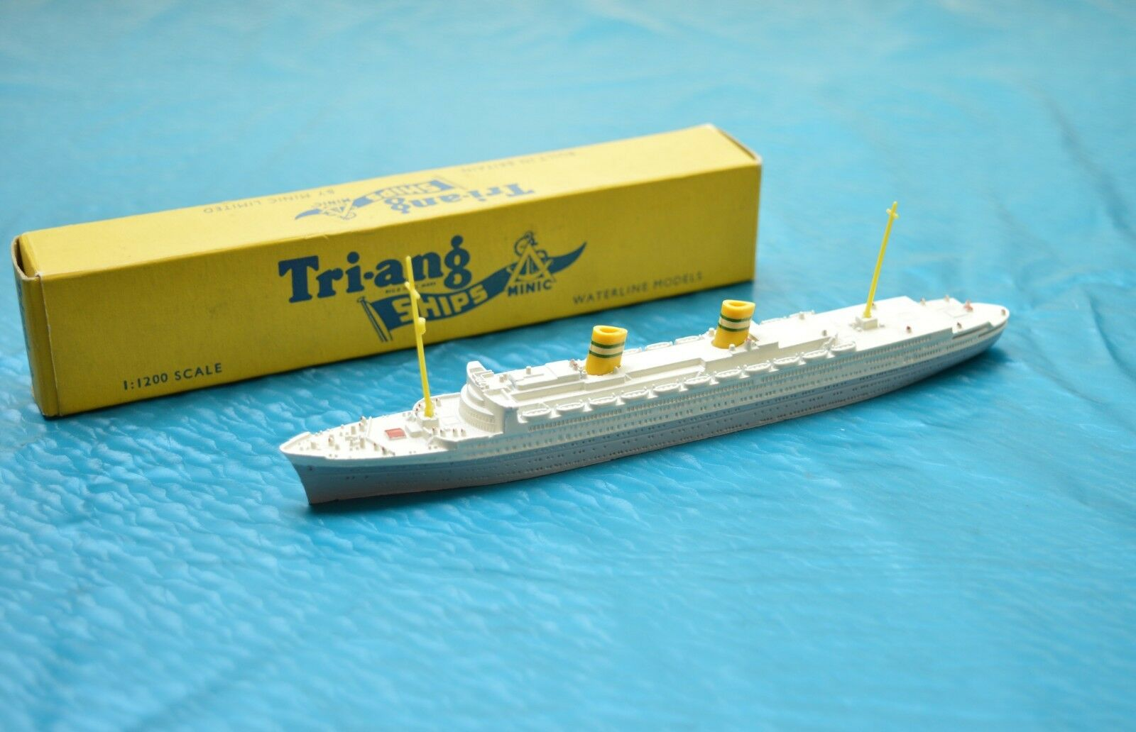 Triang Minic Ships M.706 ss Cook AMSTERDAM
