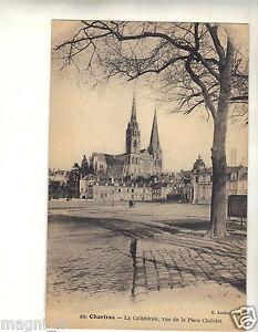 28-CPA-Chartres-la-Catedral-Vista-de-la-Plaza-Chatelet-i-3784