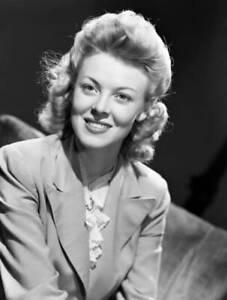 OLD-CBS-RADIO-PHOTO-Delma-Byron-on-the-radio-drama-Our-Gal-Sunday-1940s-1