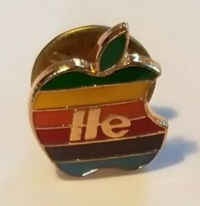 Apple-IIe-Pin-Rainbow-Collectible-Vintage-1983-Sealed-in-Package