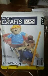 Oop-Mccalls-Crafts-9325-Berenstain-Bears-stuffed-toys-Ma-amp-Pa-33-cm-NEW