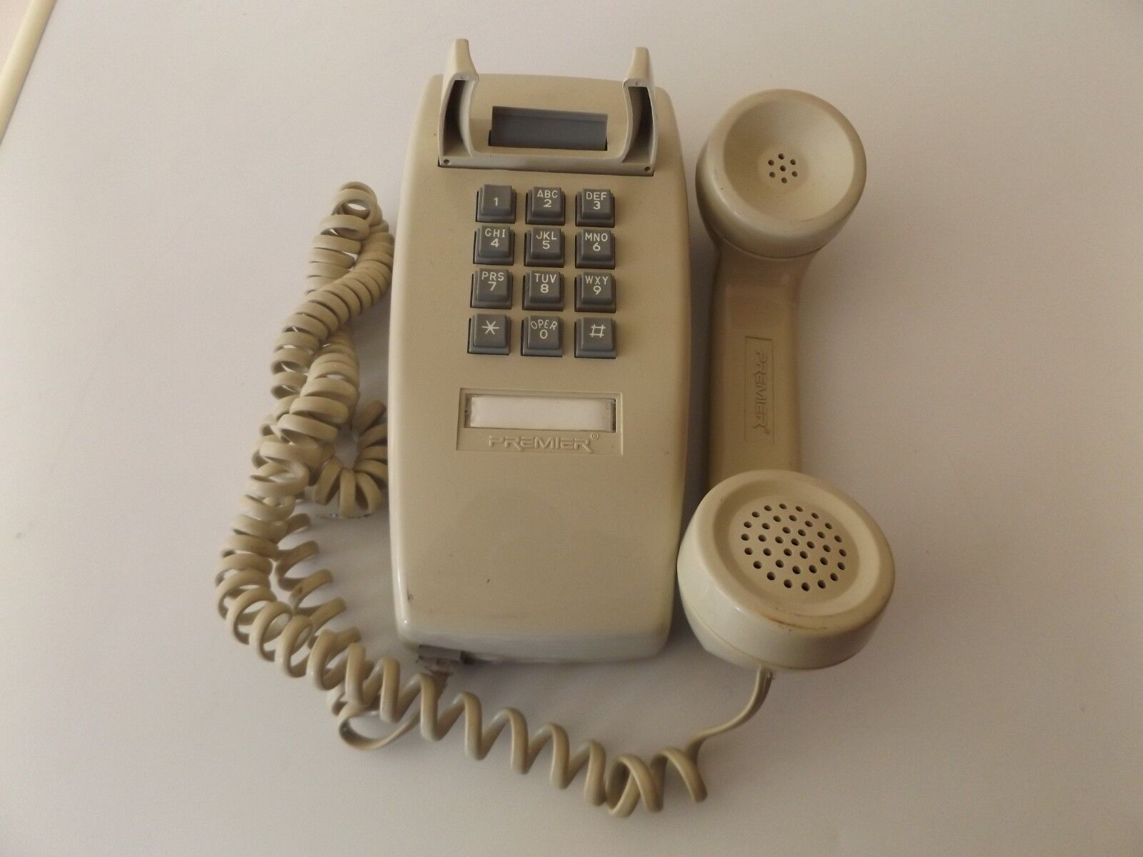 Vintage Wall Premier HAC 2554 Telephone