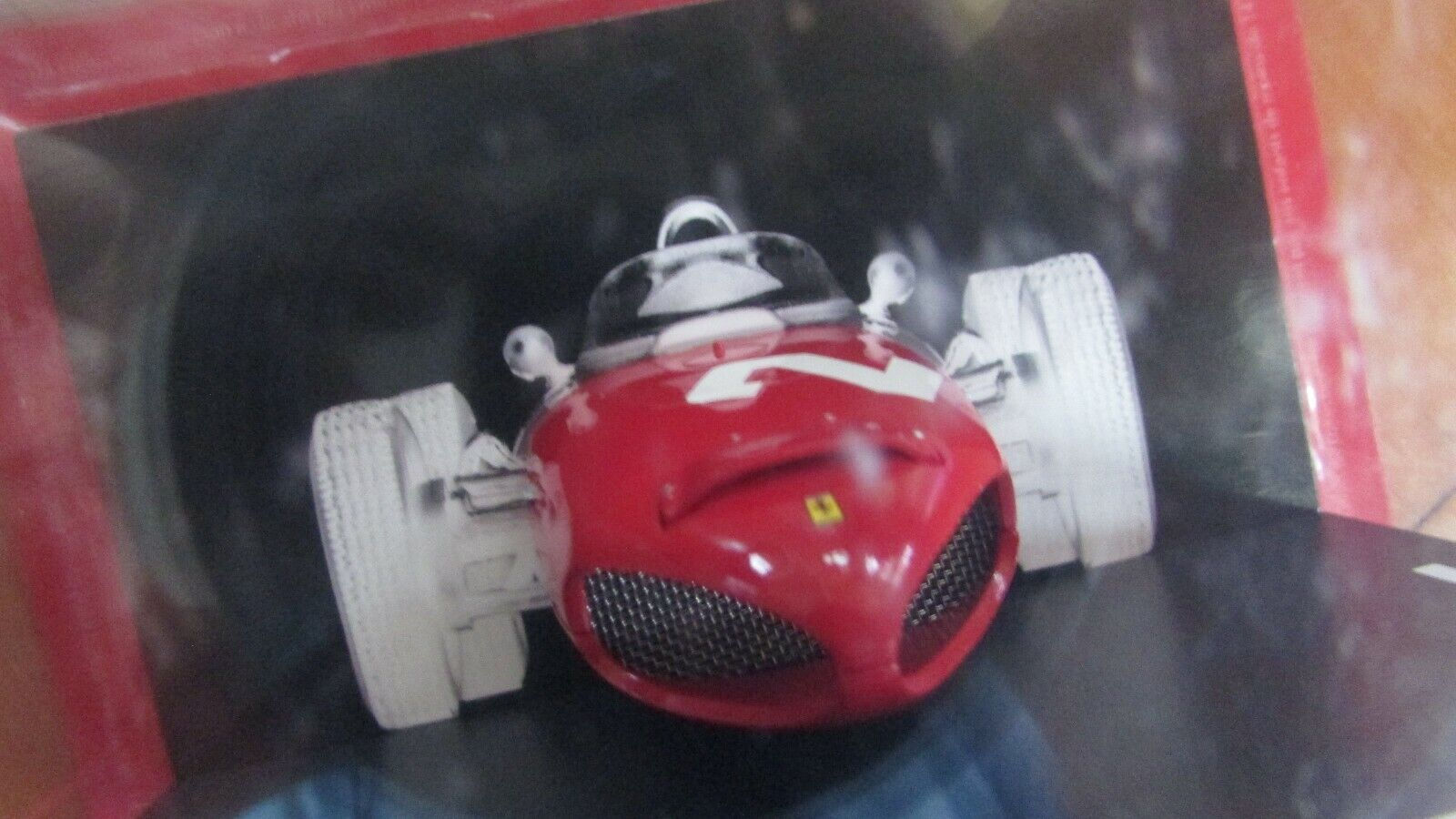 orden ahora disfrutar de gran descuento 1961 Ferrari 156 Race Coche nariz pantalla Phil Phil Phil Hill nuevo caja sin abrir escala 1 18  distribución global