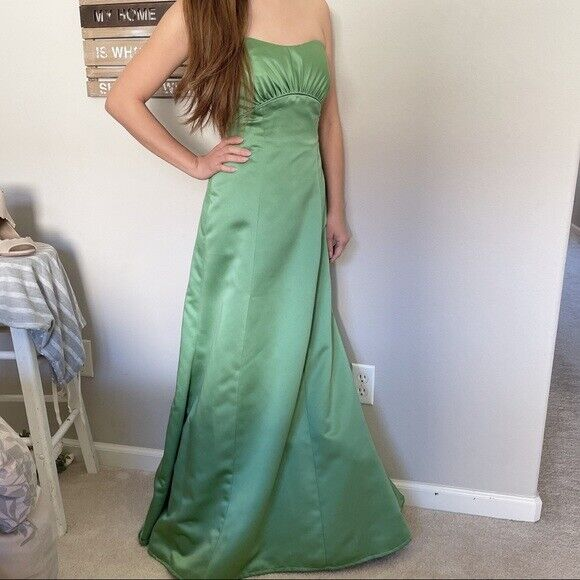 {David's Bridal} Strapless Gown in Clover size 2