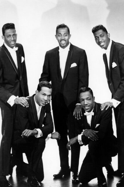 THE TEMPTATIONS 24X36 POSTER STUDIO POSE IN TUXEDO CLASSIC GROUP