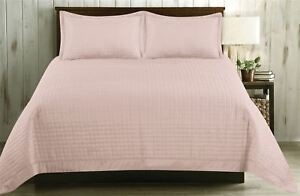 BLOCK PATTERN BLUSH PINK 220CM X 250CM QUILTED BEDSPREAD