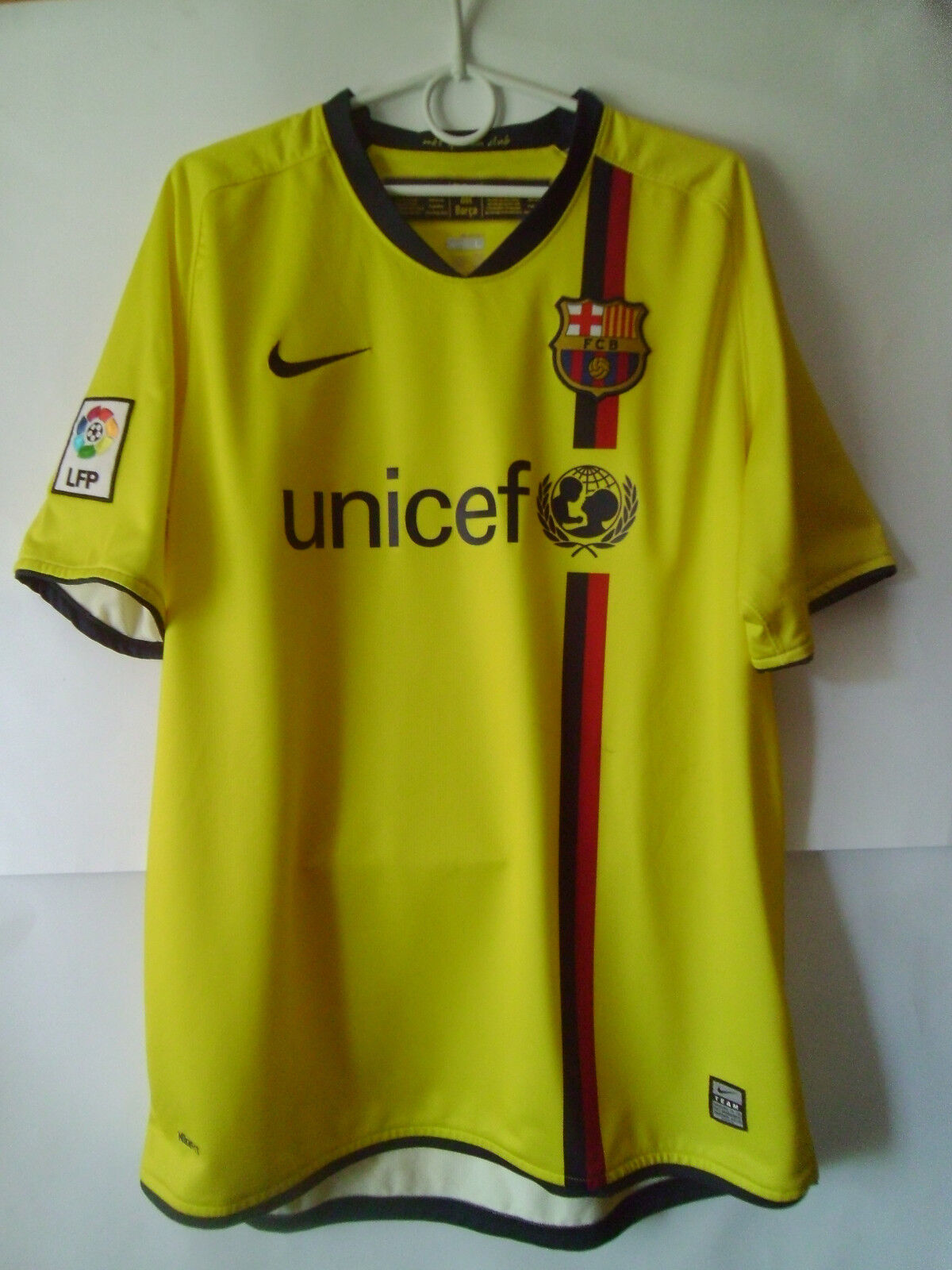 2008-10 Barcelona Away Shirt Jersey Trikot L