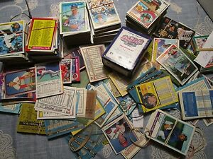 Large lot 1000 baseballs cards 1980s 1990s topps Upper Deck- NATLOT