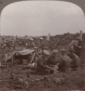 WW1-Seaforth-Highlanders-Enjoy-a-Game-of-Cards-During-a-Quiet-Time-in-Trenches