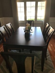 Raymour And Flanigan Dining Room Set Table 6 Chairs And Hutch