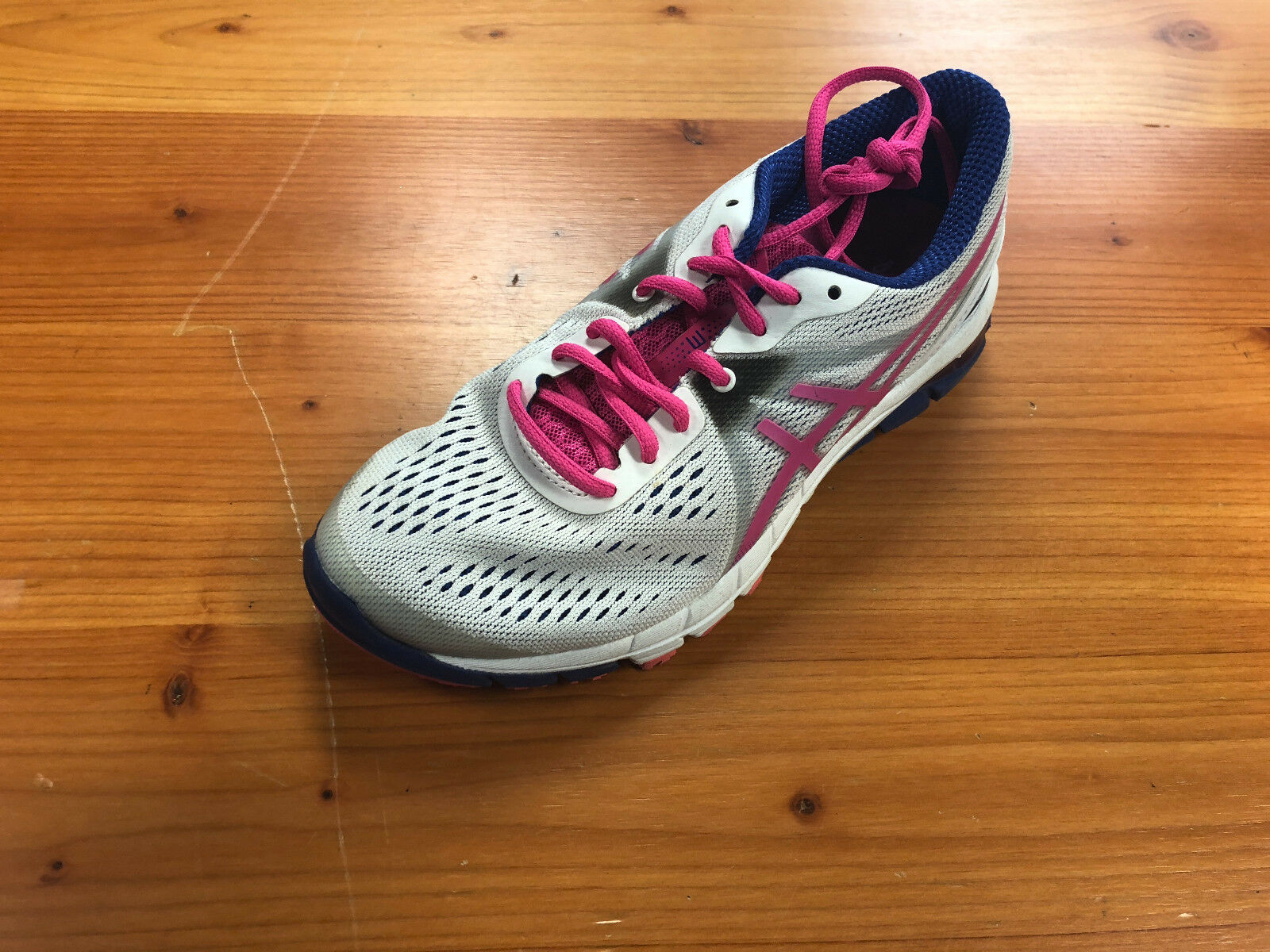 Women's Asics Gel Excess 3 RN Preowned Tennis shoes Size 6