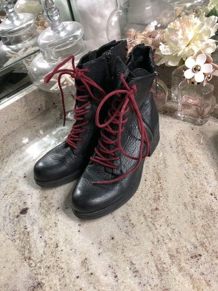 Circus by Sam Edelman Griffin Black W Wine Laces Back front laces Zipper Biker