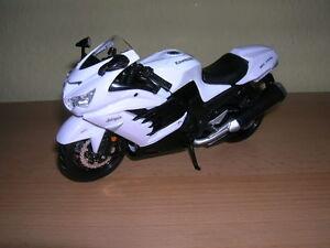 En Herbe Maisto Kawasaki Ninja Zx-14r/zx14r Blanc, 1:12 Fabrication Habile