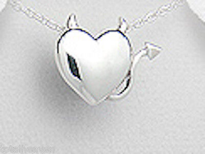 "0.71/"" Solid Sterling Silver Heart Circle Pendant 1.3g"