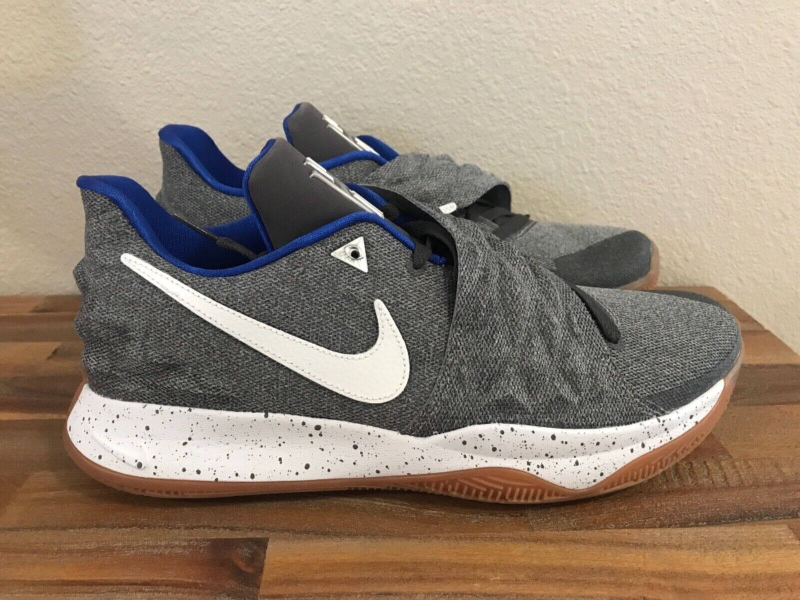 Nike Kyrie Low Uncle Drew QS Mens Basketball shoes AO8979-005 Men Size 13 New