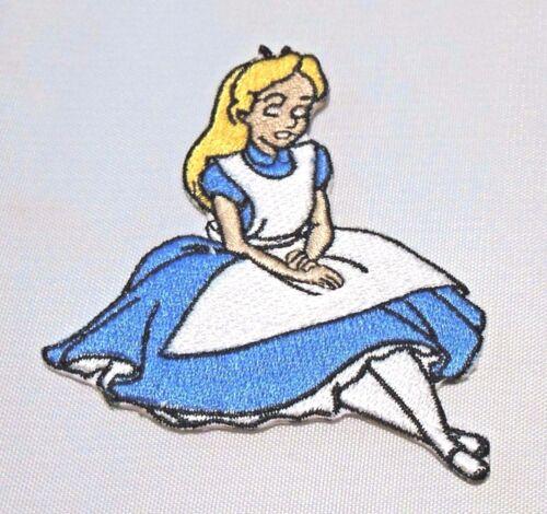 "DISNEY/'S ALICE IN WONDERLAND SITTING 3/"" EMBROIDERED PATCH"