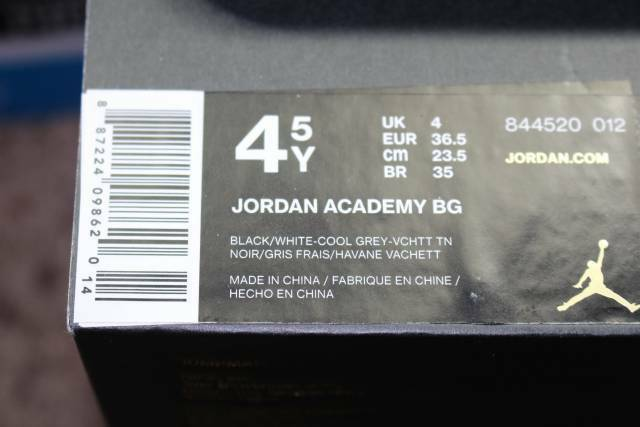 JORDAN ACADEMY BG YOUTH Taille 4.5 SAME SAME SAME AS WOMAN 6.0 noir COOL gris NEW RARE 1d2b09