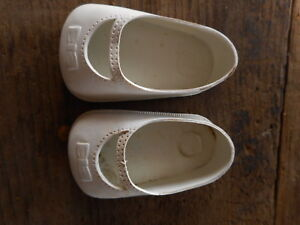 Vintage Plastic Doll Shoes White 1950's or 1960's ?