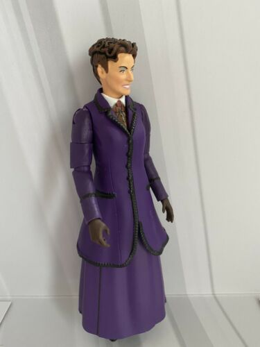 12th Dr Era en Violet Frock Coat le Capitaine Doctor Who Figure-Missy