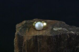 Ring-24K-Gelbgold-mit-einer-Perle-besetzt-c12247