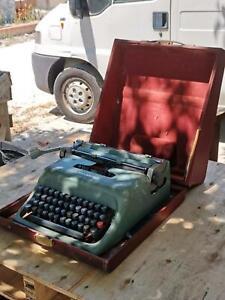 macchina-da-scrivere-professionale-olivetti-studio-44