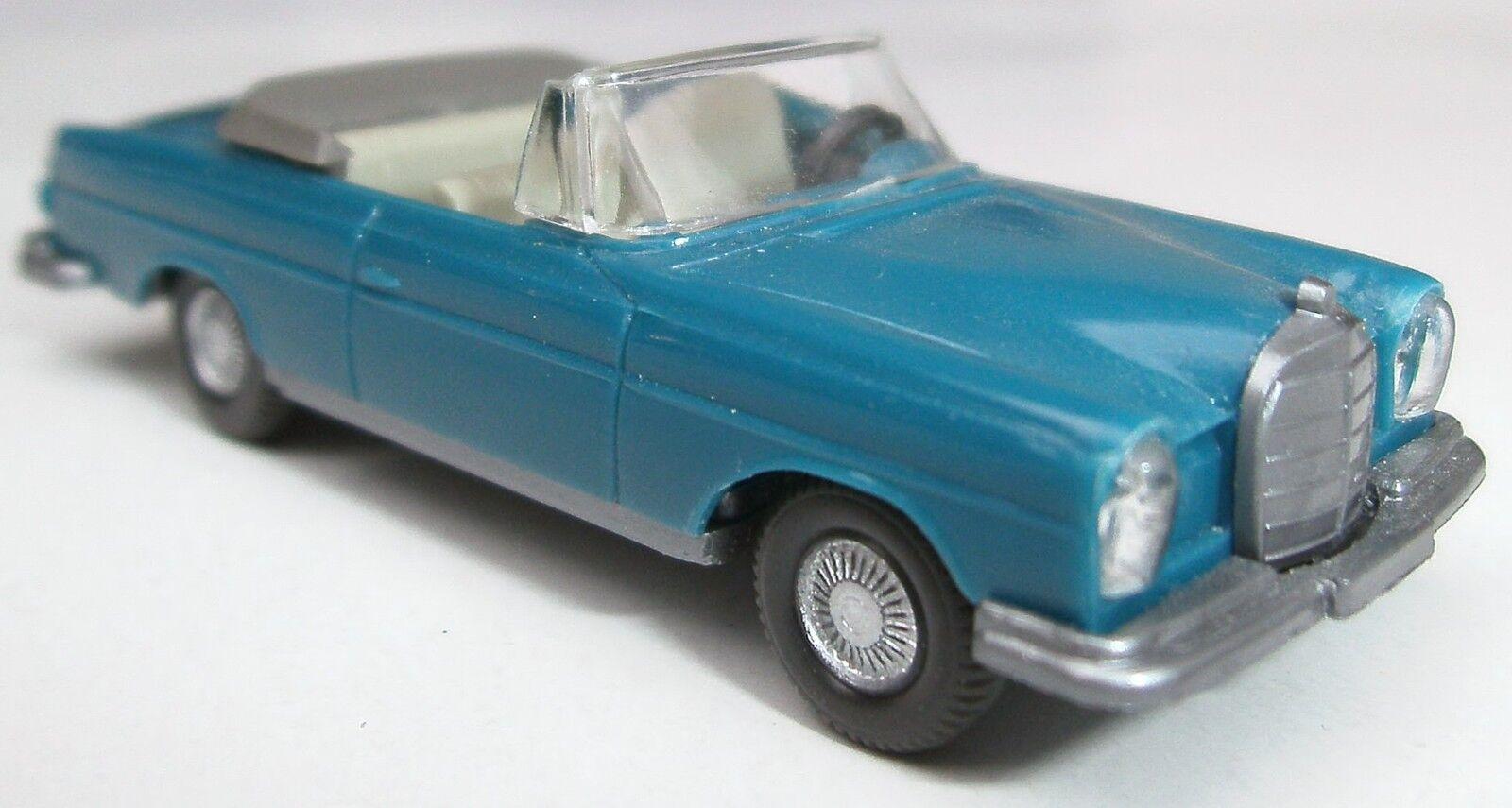Wiking 15 C 153 4 F. Mercedes 300se 280se Cabriolet 1968-1976 BLEU AZUR  45 ans