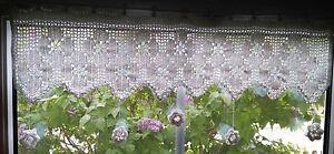 wunderschoene-Haekelgardine-Blumen-Motiv-mit-3D-Blueten-ca-96-cm-NEU