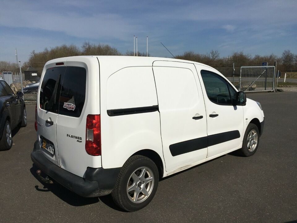 Peugeot Partner 1,6 HDi 90 L1 Van Diesel modelår 2011 Hvid km
