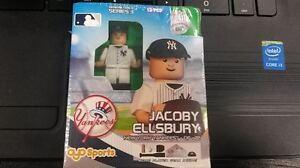 JACOBY-ELLSBURY-AYO-SPORTS-NEW-YORK-YANKEES-LEGO-FIGURE-SERIES-3-GENERATION-4