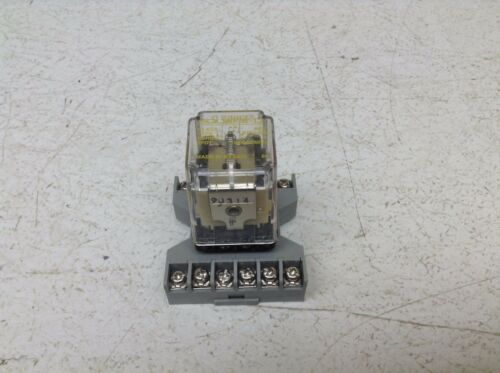 Square D 8501 KP13V20 120 VAC Relay 8501KP13V20 w// Base Series D