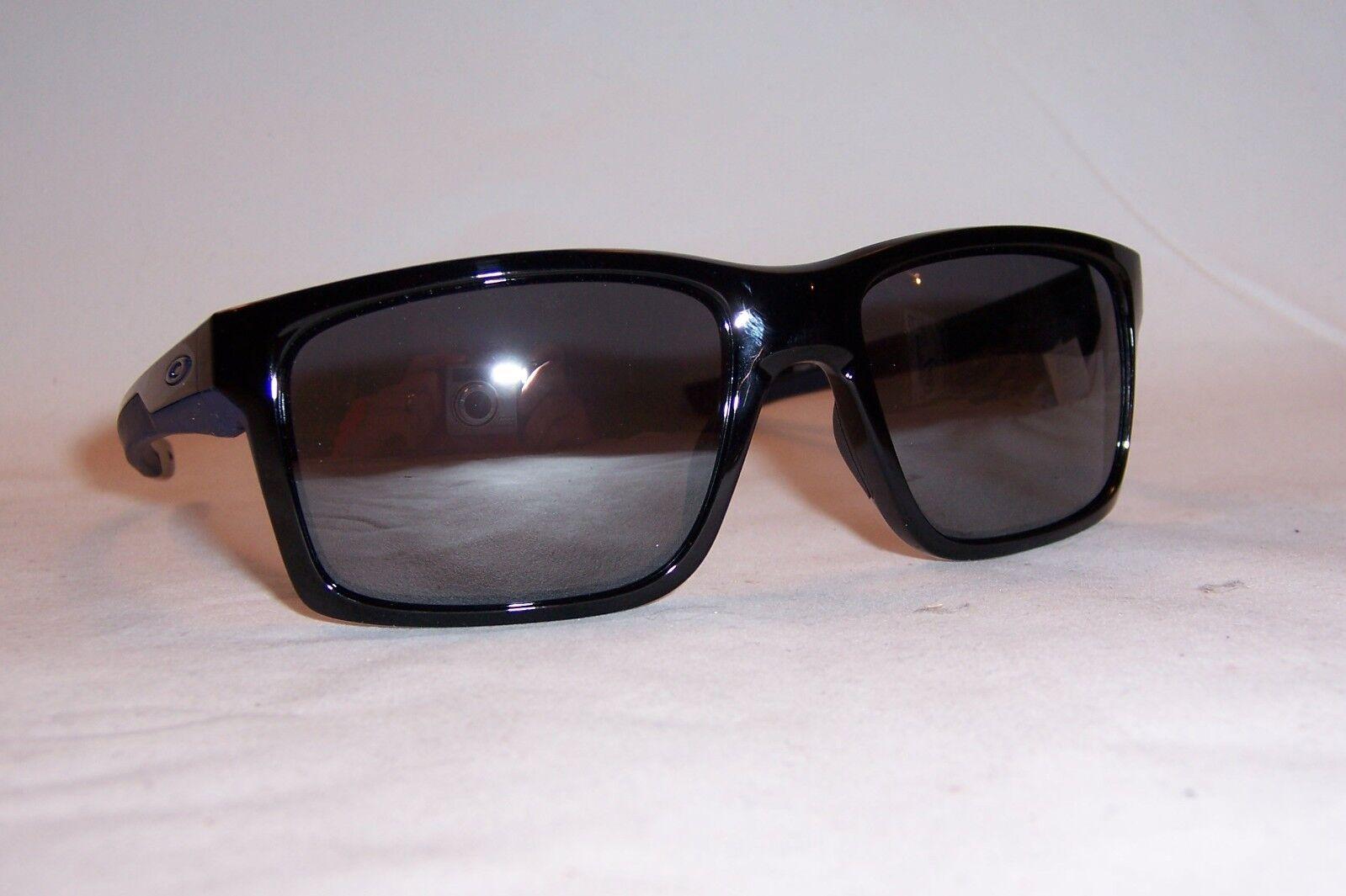 688cff4948 100 Authentic Oakley Mainlink Sunglasses 9264-18 Polished Black