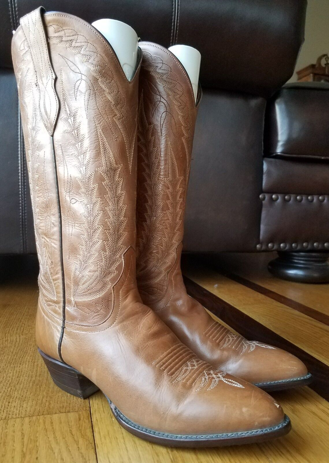 Larry  Mahan Woman's Cognac Leather Western Cowboy Boots 7.5 M USA Texas  a lot of surprises