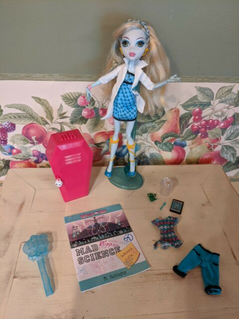 Monster High Lagoona Blue Mad Science Classroom Doll W