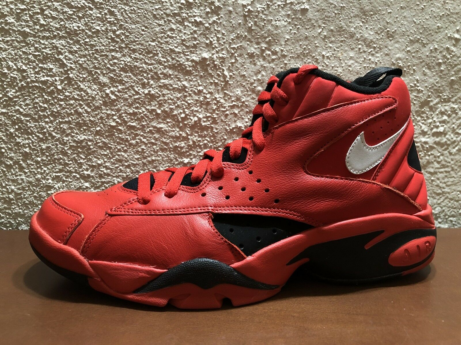 NIKE AIR MAESTRO 2 II QS TRIFECTA THINK 16 University rouge AQ9281 600 Taille 10 NEUF