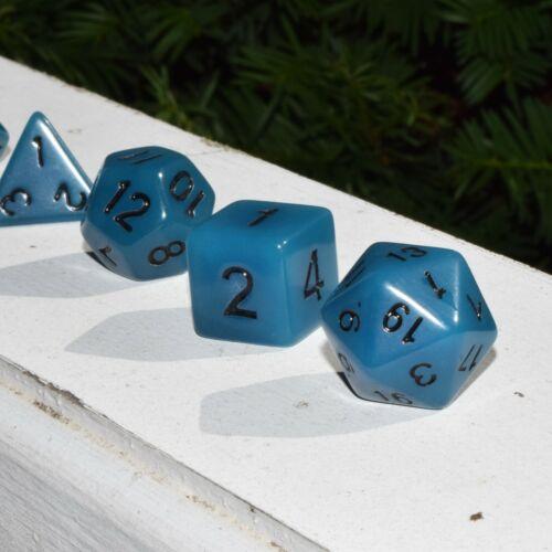 Glow in the Dark Blue NEW Polyhedral 7-Die D/&D RPG Gaming Dice Set